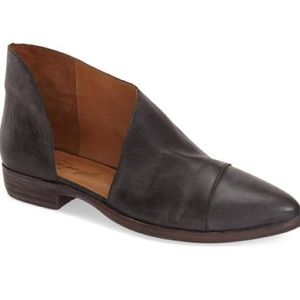 Free people royale point toe flat 39.5 9.5